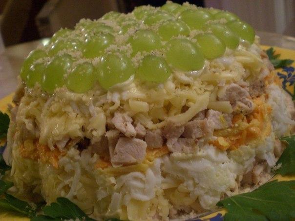 Слоеные салаты с курицей грибами рецепты с