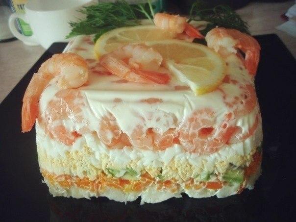 Салат с креветками слоёный рецепт